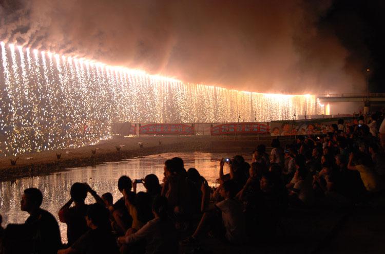 大ナイアガラ花火は圧巻