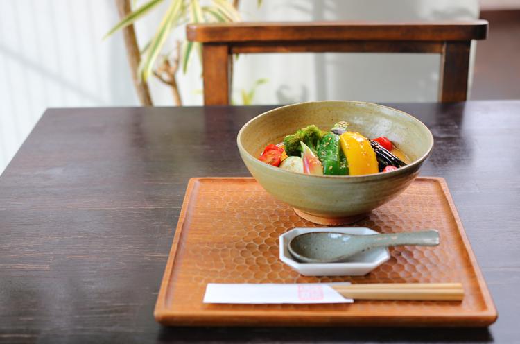 『夏野菜豆乳胡麻そば』(1,580円)