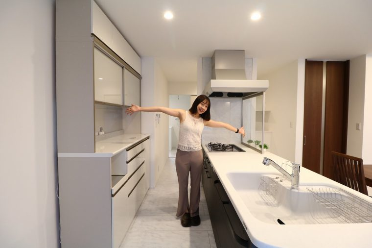 キッチンは広々したアイランドタイプ!