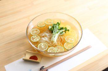 爽やかなスダチ香る和風冷麺でスッキリ!|新潟市中央区