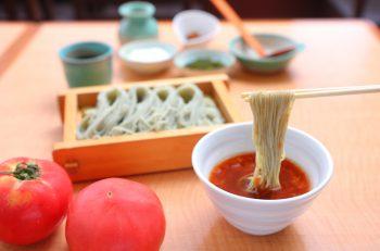トマトつゆから広がる、そばの新世界『五味そば』 |新潟市中央区・DeKKY401内