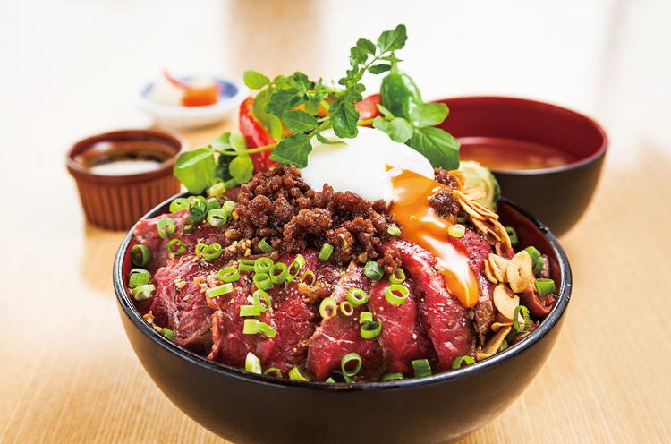 ごちそうお肉 ビストロ くう海 の『新潟の旨いもの全部のせステーキ丼』(1,922 円)