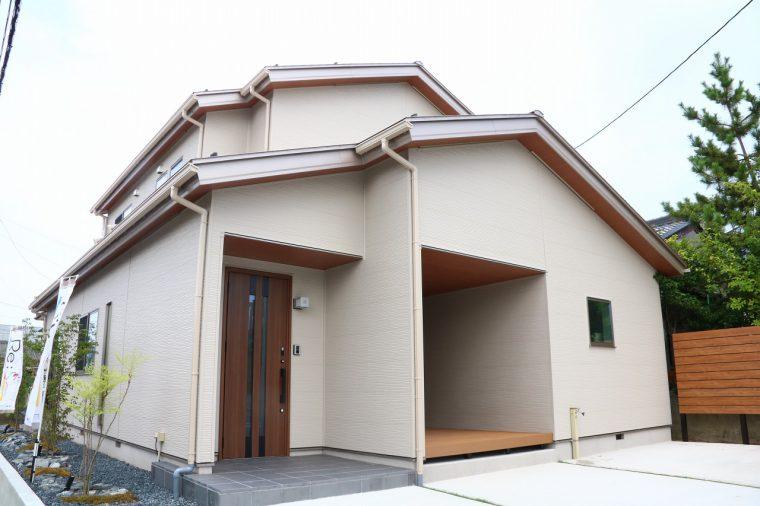 場所は新潟市東区物見山にあるRe;Sa(リサ)の大山展示場です