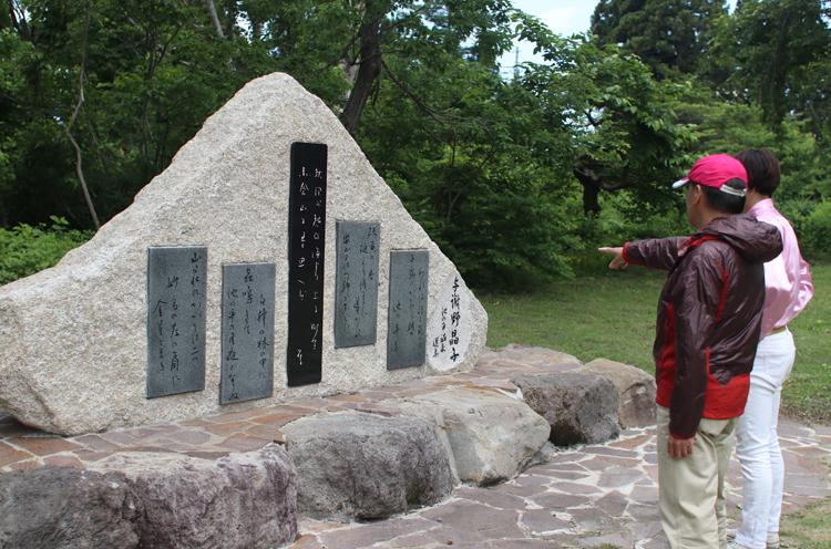 与謝野晶子と妙高市の関係を説明してくれる入村市長