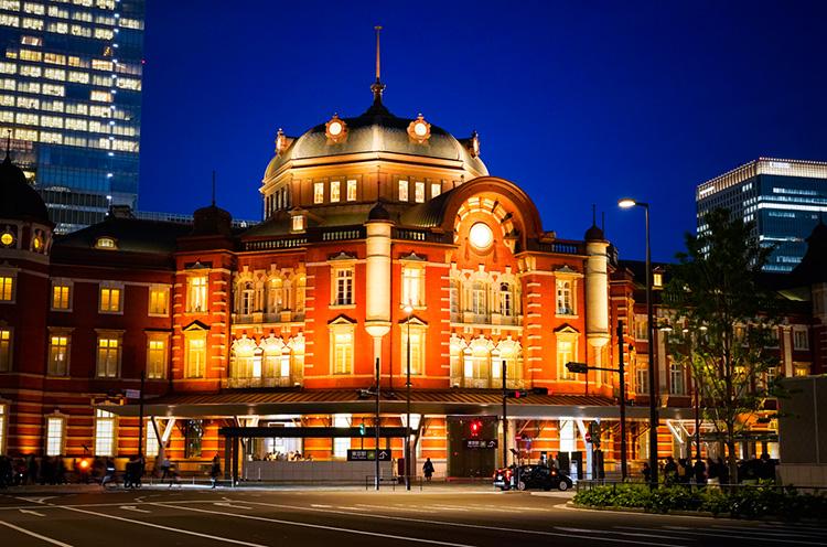 夜もステキな東京駅