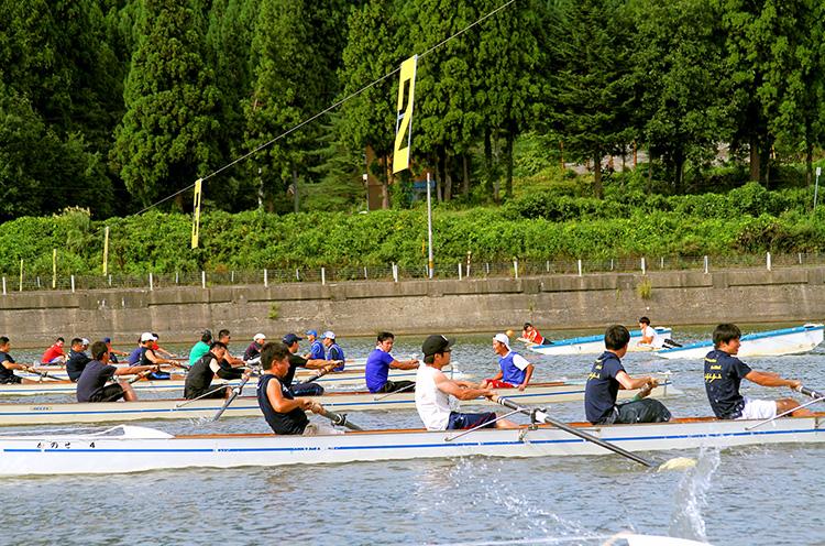 【阿賀町】阿賀野川を舞台にした「熱きボートの戦い」! 今年は9月1日(日)に開催