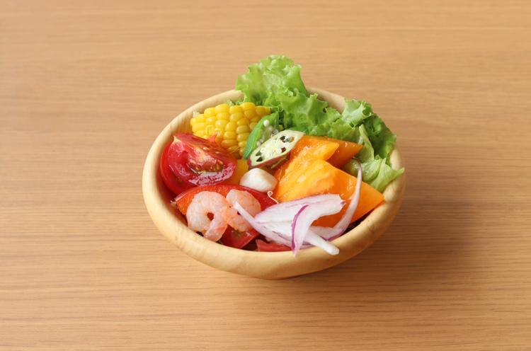 サラダ。地元の方が大切に育てた野菜がたくさん!
