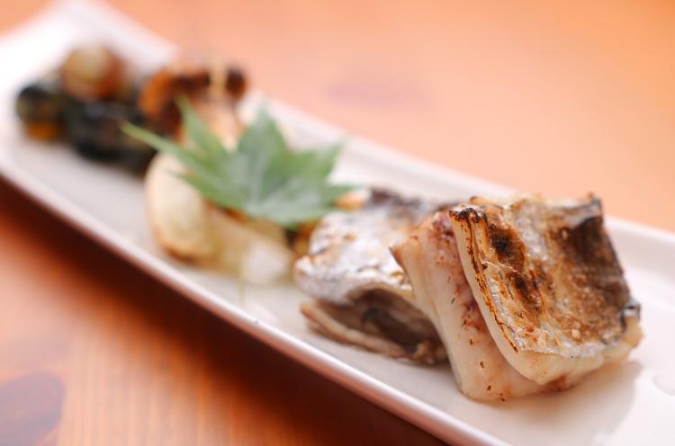 旬の食材を用いた季節を感じる料理を提供。