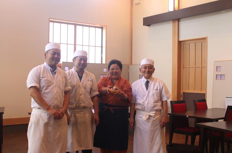 お店を営む個性豊かな木澤さんご家族。