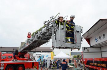 はしご付き消防ポンプ車に試乗できる! くまモンもやってくるよ