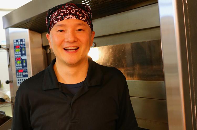 「牛乳パンやベーグルなど、卵を使っていないパンも用意しています」と店長の杉田さん