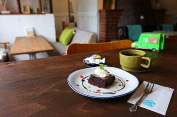 自家焙煎コーヒーの人気移動販売車の実店舗が六日町駅前エリアにオープン