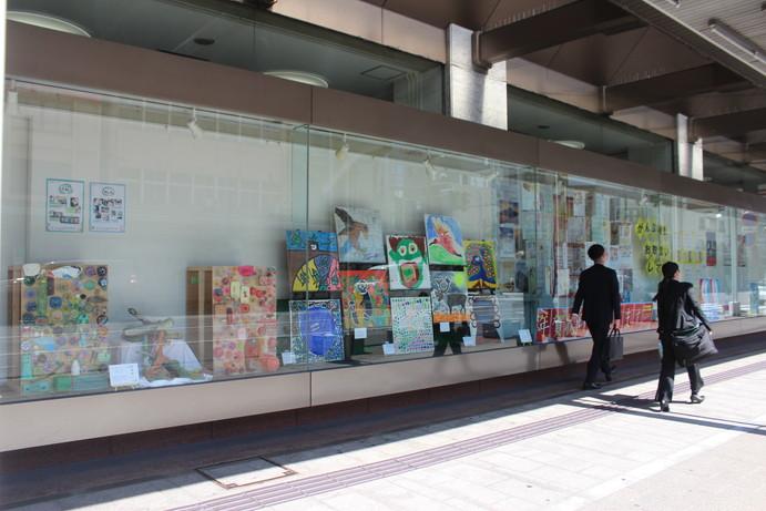 ゆうちょ銀行新潟中店ショーウインドー