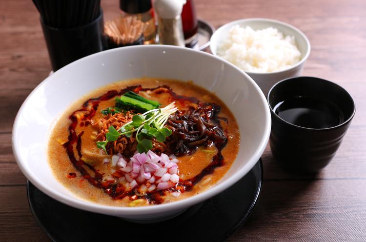 『ベジポタ担々麺』(950円税込)。