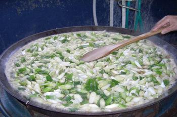 今年は限定1,400食。絶品汁が味わえる『カモ汁定食』は必食です
