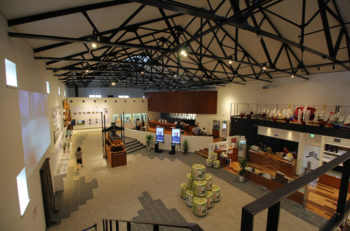 吉乃川の倉庫が酒ミュージアムに。SAKEバーもあるよ