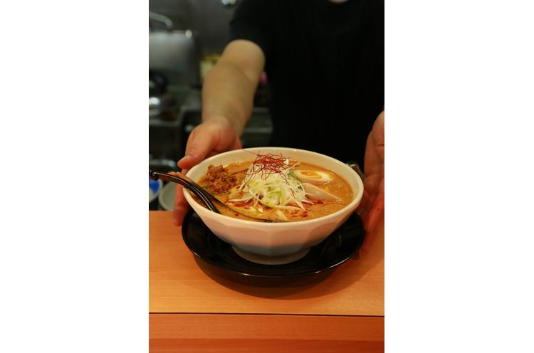 看板メニューの『背脂担々麺』(850円税込)