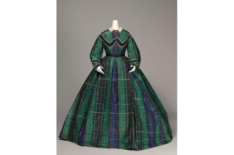 《アフタヌーンドレス》 1865年頃 神戸ファッション美術館蔵