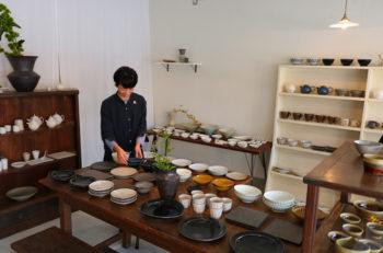 約20人の作家さんの作品が並ぶうつわギャラリー|新潟市中央区古町