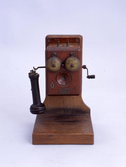 デルビル磁石式電話
