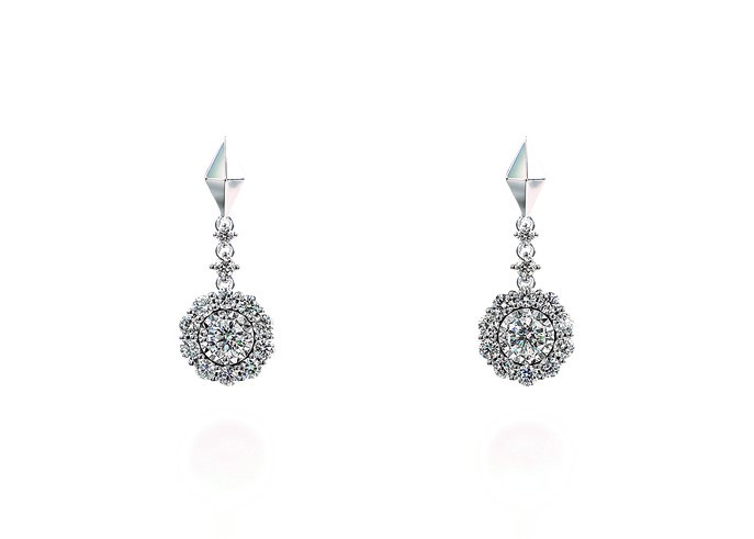 SNOWFLAKE EARRINGS(K18WG) ¥260,000+税