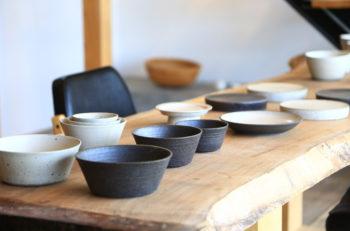 美しいうつわが、美しく並ぶギャラリー|長岡市