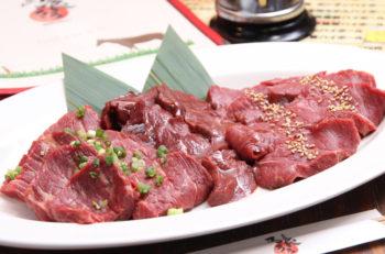新鮮でおいしい馬刺しがおいしい!馬肉の焼肉も人気|新潟駅前