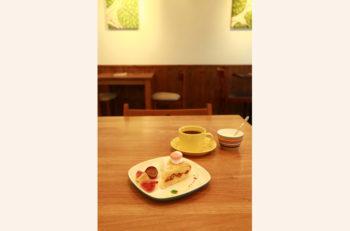 ほろ苦いコーヒーに合う自家製の素朴な焼菓子|新潟市中央区
