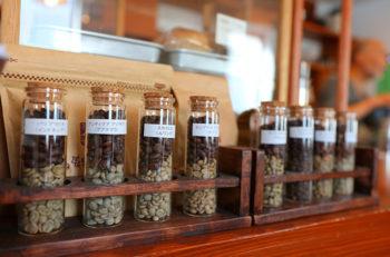 手作りシフォンもおいしいコーヒー専門店|新潟市中央区関新