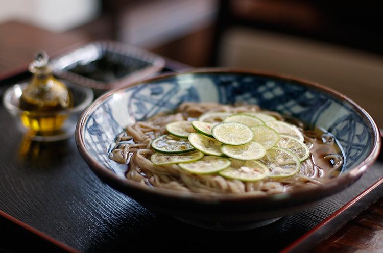 『すだち蕎麦』(1,200円税抜)