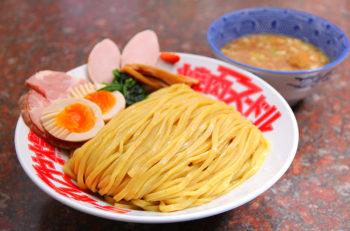 力強い食感の5種の自家製麺を使い分け|新発田市
