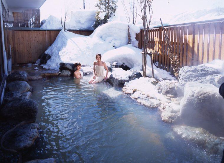 国道148号線「道の駅 小谷」に併設の温泉「深山の湯」