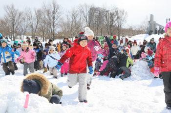 雪遊び、ステージ、雪花火など楽しい企画いっぱいの冬イベント