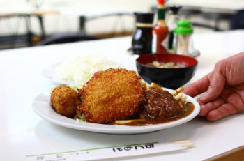 洋食三種の神器!ハンバーグ、ハムカツ、クリームコロッケそろい踏み|新潟市出来島