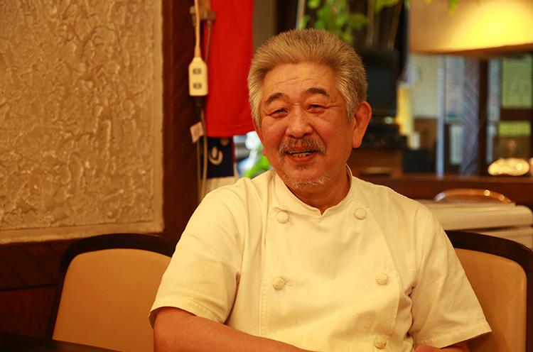 ご主人・五十嵐さん。 料理人になって50数年が経つ