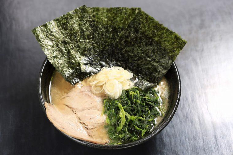 太威の基本は豚骨醤油!『ラーメン』(720円)