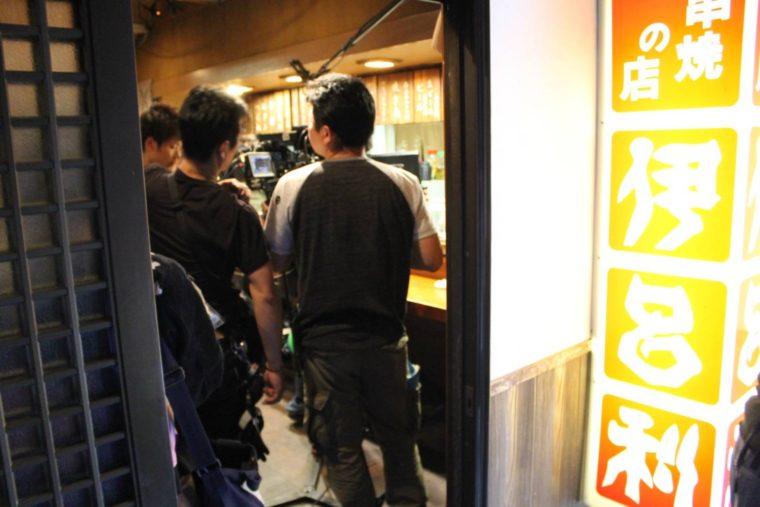 監督の出身地、五泉市村松にある居酒屋さんでの撮影となりました