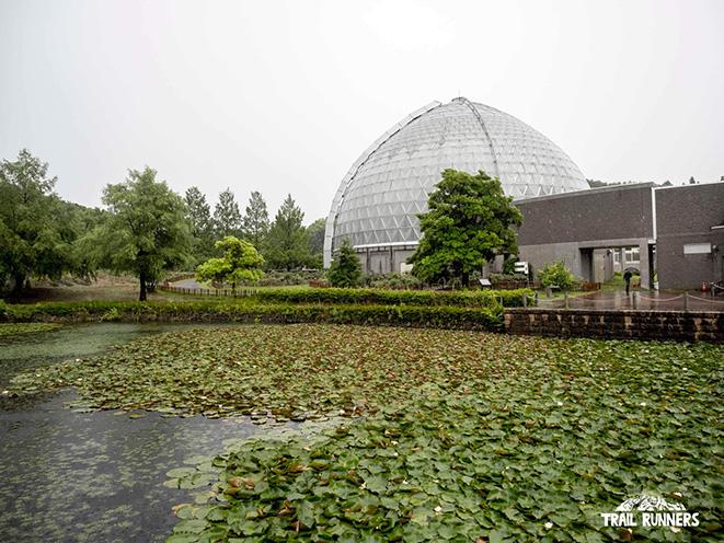 秋葉丘陵にある新潟県立植物園