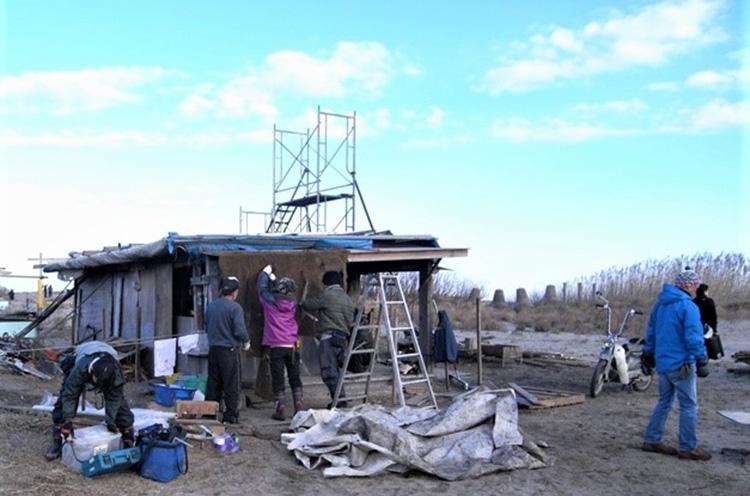 阿賀野川の河口近くの漁師小屋での撮影。松浜漁港さんの協力あっての撮影となりました