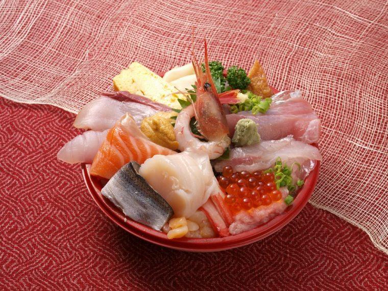 この味を家庭でも! 海鮮丼の一例