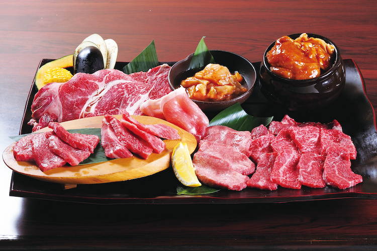 『極上焼肉1kg盛り』(5,980円税抜)