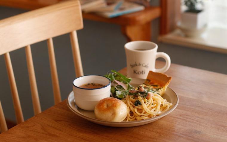 Book&Cafe Koti