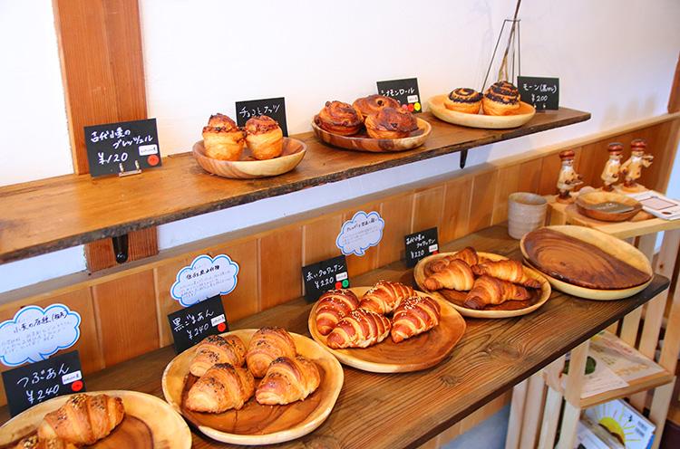サンドイッチのほか、ナッツのような風味のスペルト小麦を使ったパンも多数提供