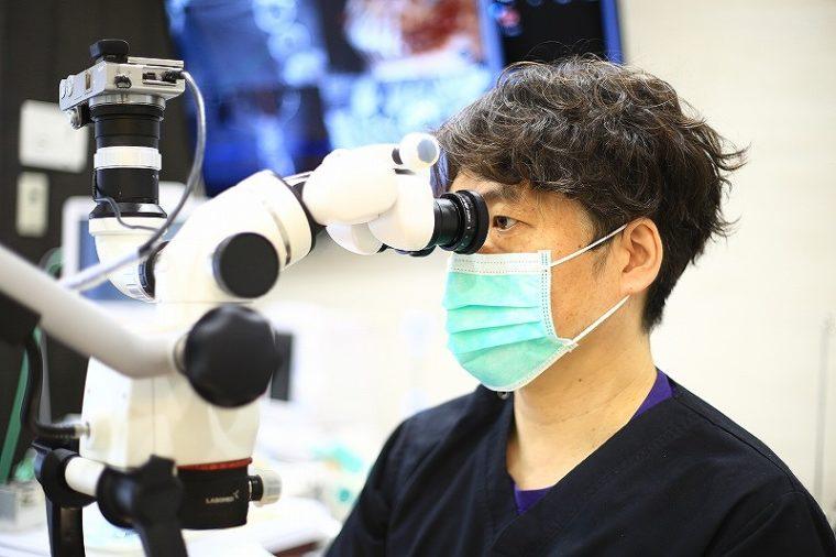 歯科用CT、歯科用顕微鏡を導入することで詳細な治療計画を立案。