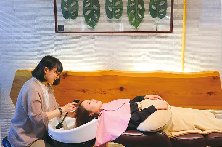 弱酸性美容法を用いたヘアエステにはデトックス・美髪美肌・リラクゼーションと3つの嬉しい効果があります