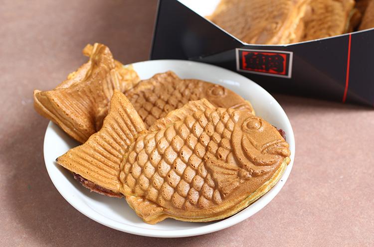 たい焼き1個100円(税込)
