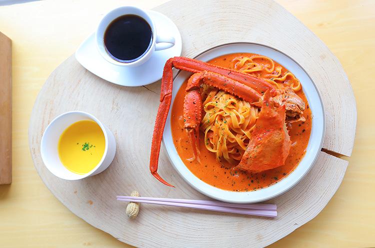 『蟹のトマトクリーム』(1,280円税抜)