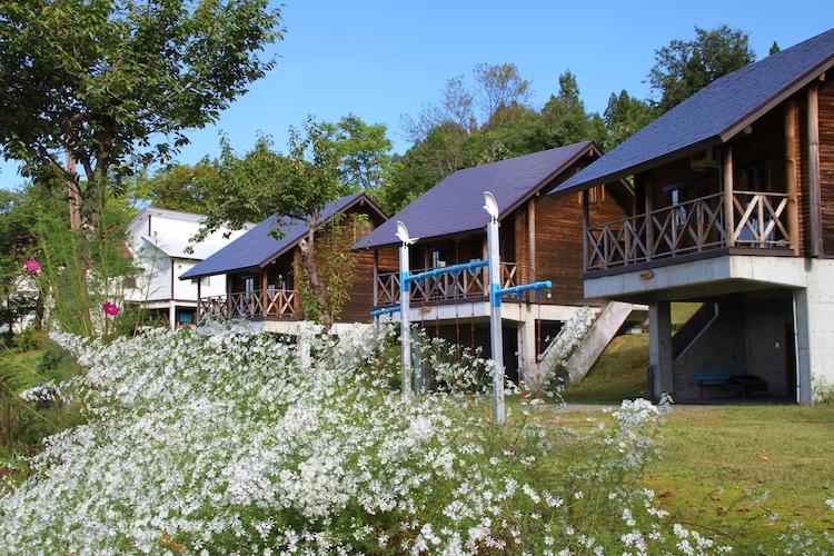 オートキャンプ場、ログハウス風コテージ、キャンプ施設など充実している