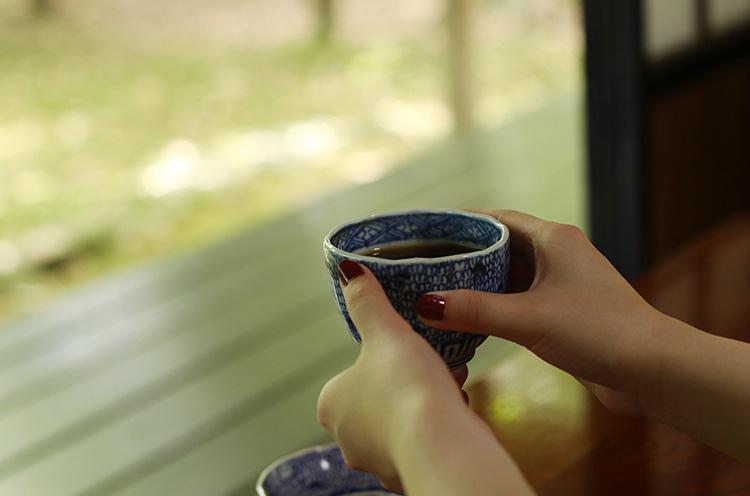 コーヒーはいれたてを提供。1杯350円(税込)