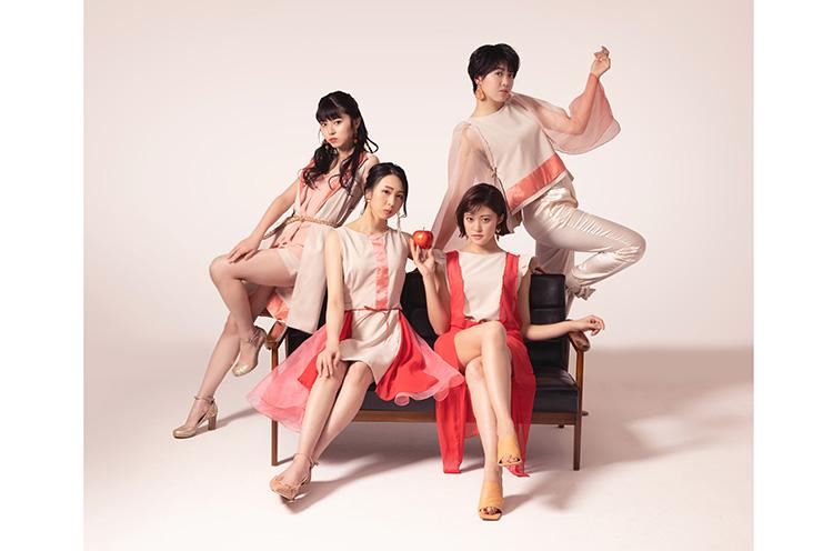 2000年7月に青森県弘前市で結成された、地方アイドルのトップランナーのひとつ。現在は、とき・王林・ジョナゴールド・彩香の4人で活動。2020年9月23日にデビュー20周年記念のリアレンジ・アルバム『Cool & Country』をリリースした。